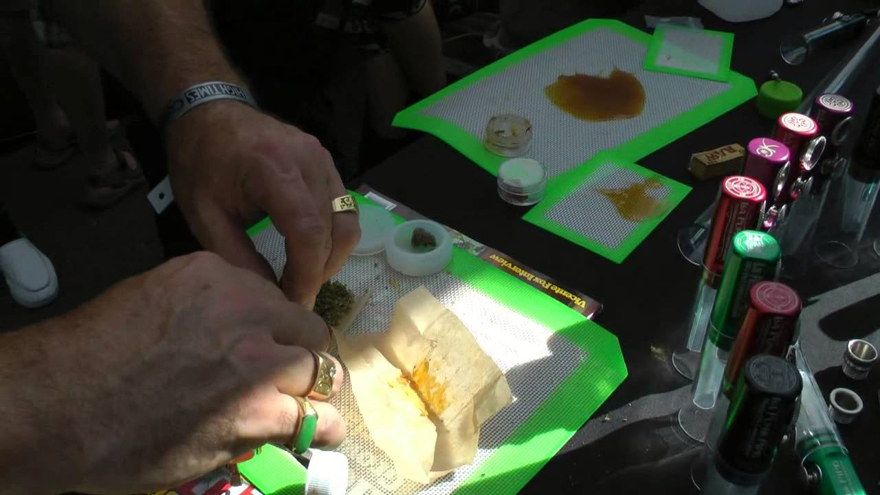 High Times Cannabis Cup – 3 Paper Supercharged Joint